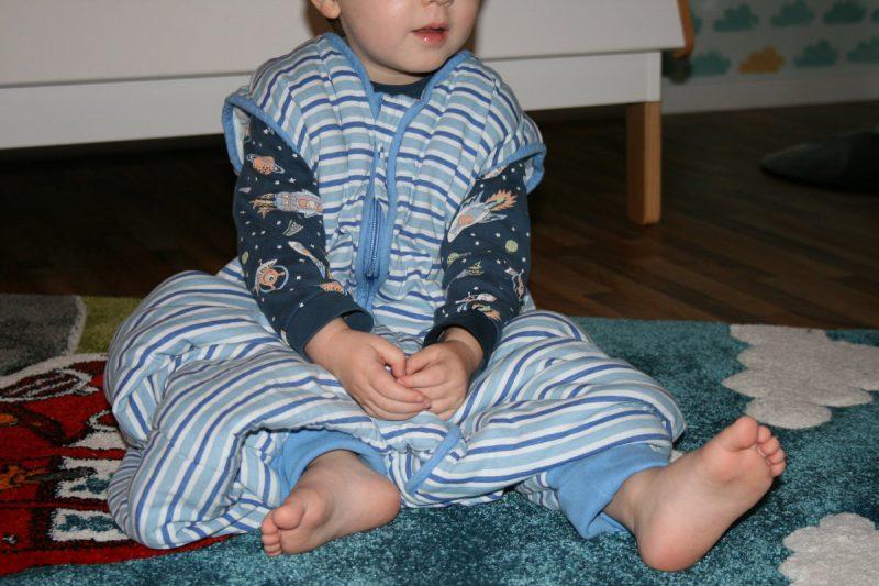 Schlafsack mit Füßem
