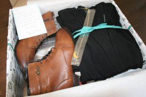 Online Stylist Kisura stellt Outfits zusammen