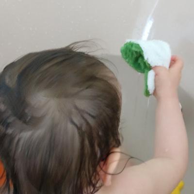 Waschen mit Waschie Baby Waschlappen