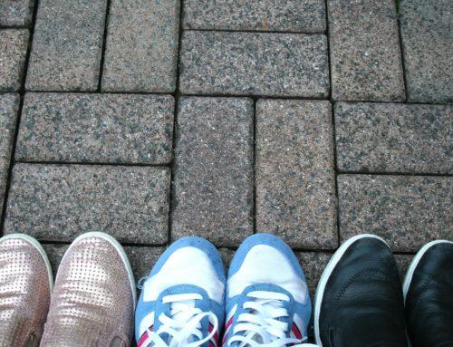 Diese drei Faustregeln verhelfen deinen Sneaker zum stylischen Auftritt