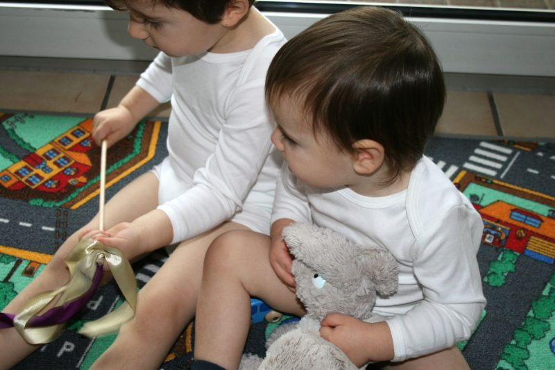 Hochwertige bio Babybodys von Tom und Jenny