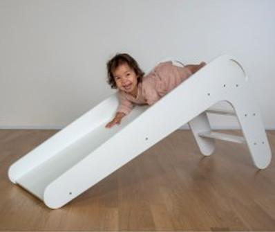 Indoor Kinderrutsche aus Holz