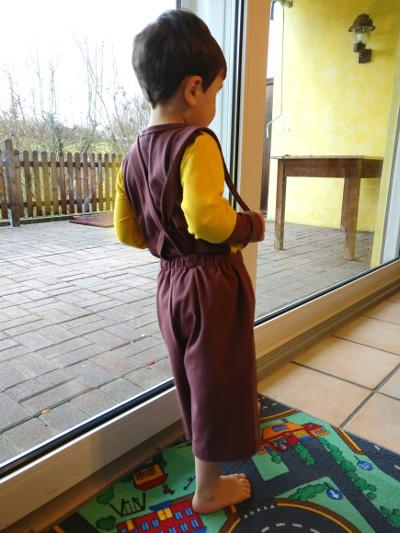 zeitlose, mitwachsende Kinderkleidung von CharLe