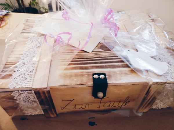 Personalisierte Taufkiste und Erinnerungsbox aus Thurnau