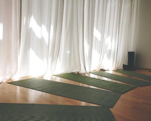 Luftige Räumlichkeiten beim Pussy Yog Workshop