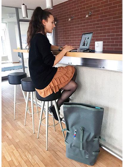 Mobiles Büro für mobiles Arbeiten mit Gotbag Rolltop Rucksack
