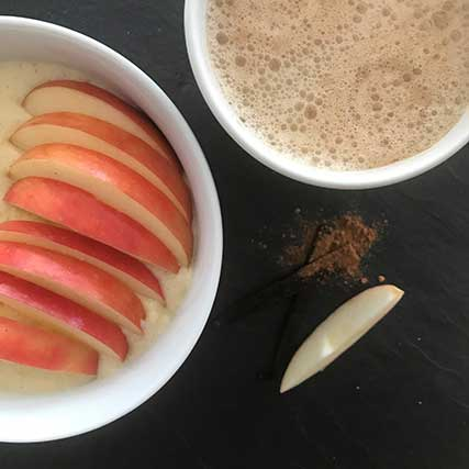 Bowl Rezepte Vanille-Protein-Grießbrei mit Apfel